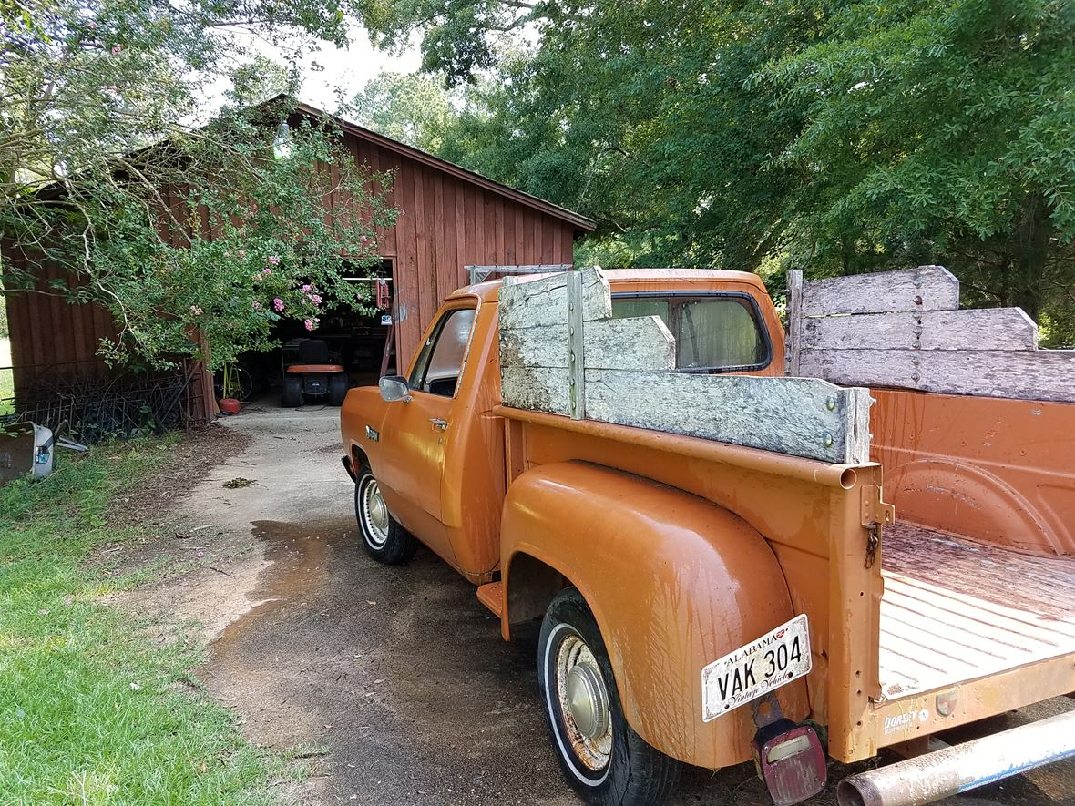 1981 Dodge W-Series for sale by owner in Hope Hull