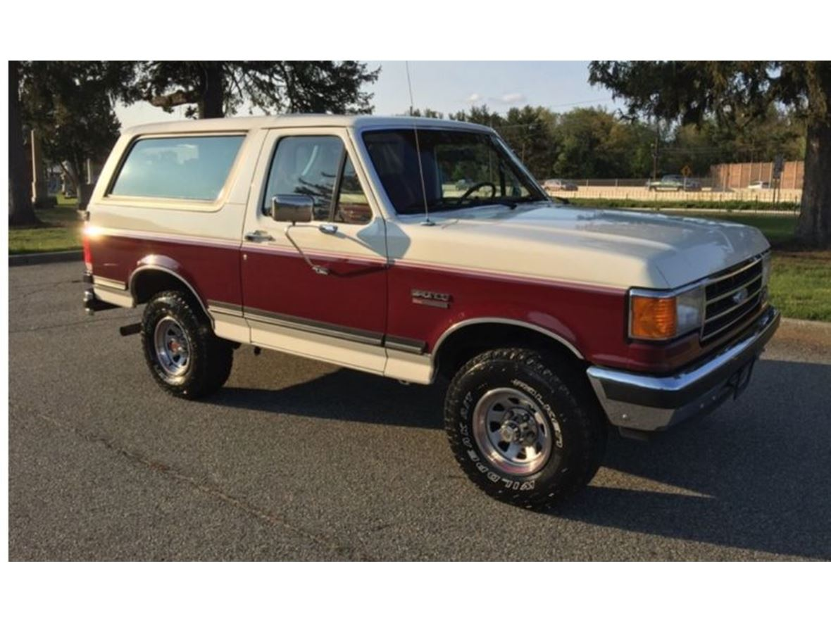 1989 Ford Bronco for sale by owner in Hearne