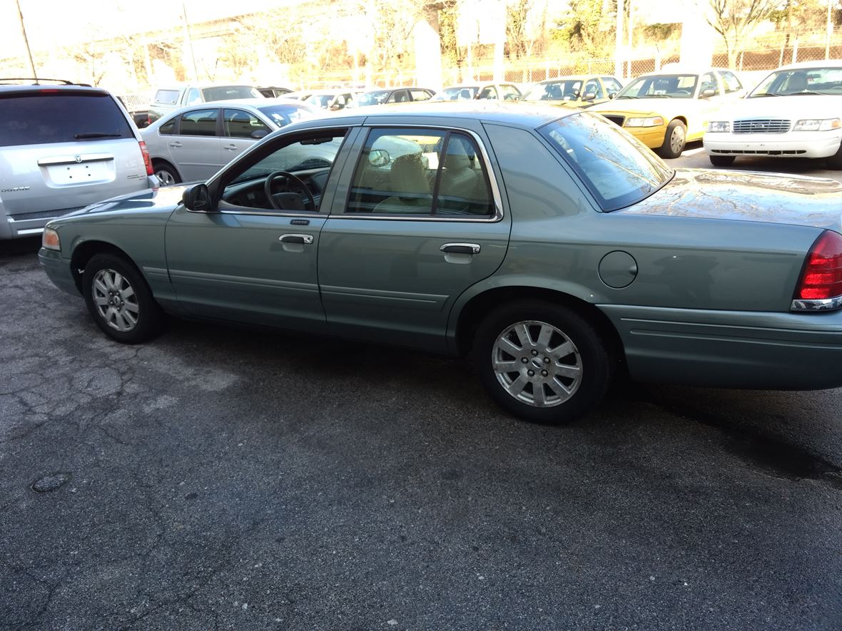 2006 ford crown vic for sale by owner in baltimore md 21215. Black Bedroom Furniture Sets. Home Design Ideas