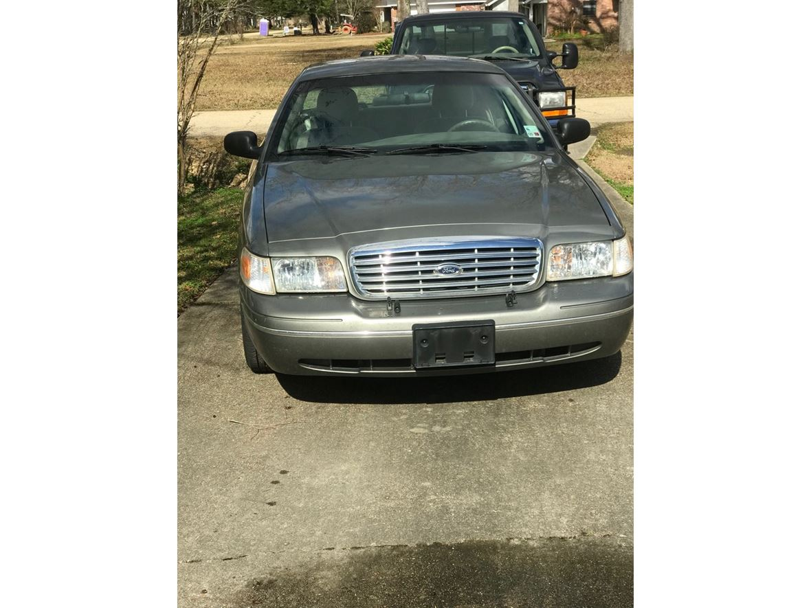 2004 Ford Crown Victoria for sale by owner in Greenwell Springs