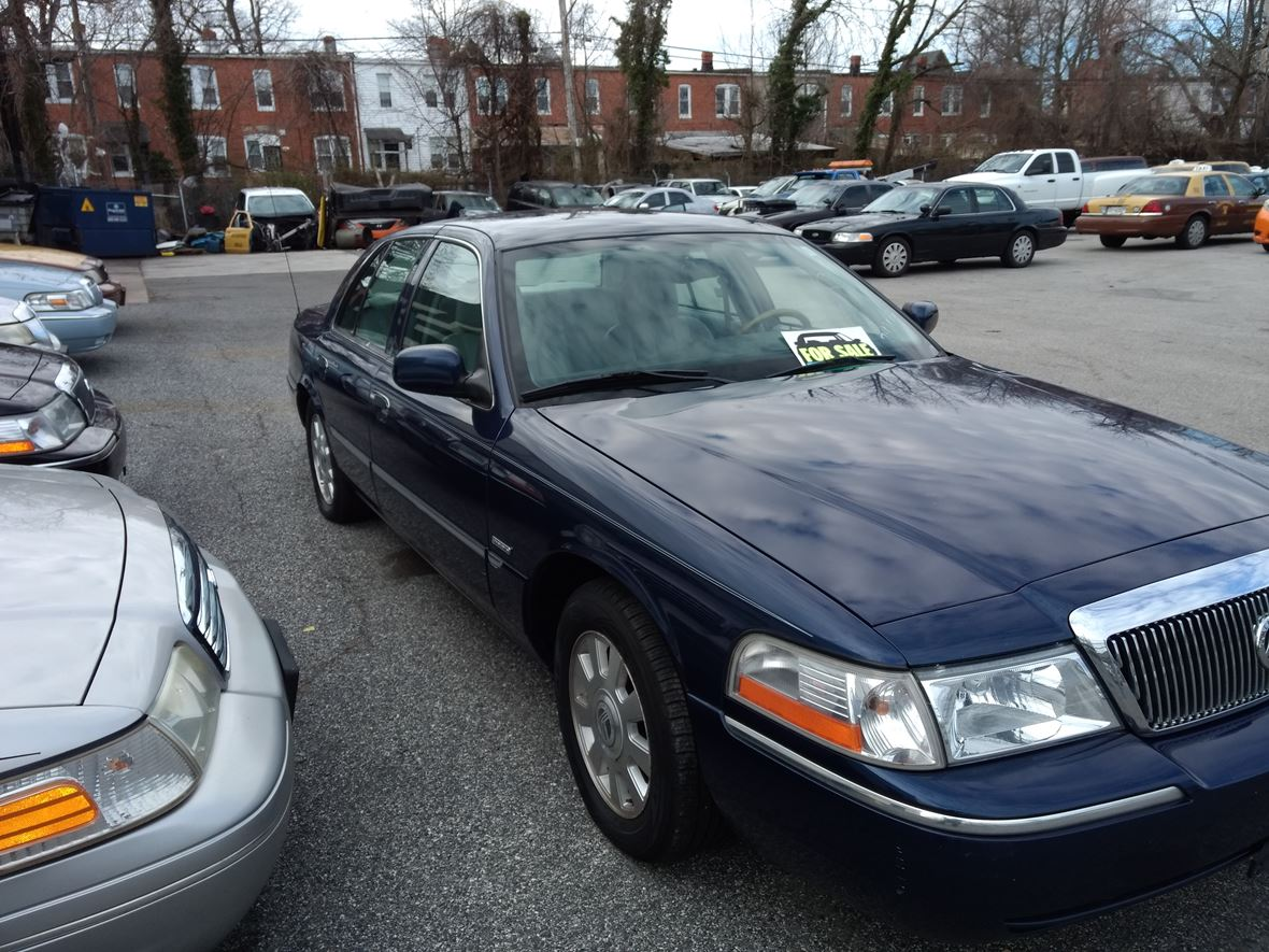 2005 Ford Crown Victoria for sale by owner in Baltimore