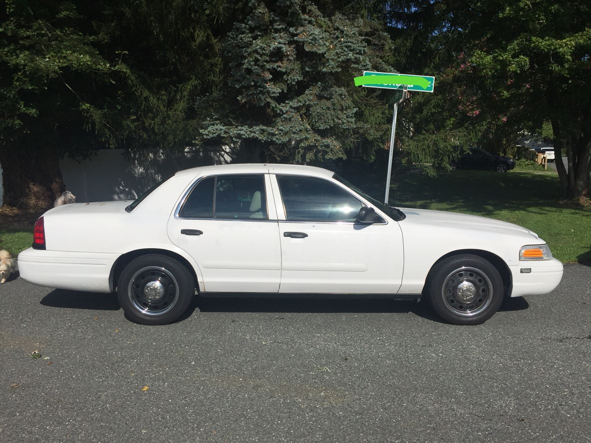 2007 Ford Crown Victoria for sale by owner in Windsor Mill