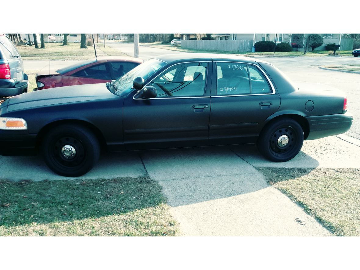2007 Ford Crown Victoria for sale by owner in Gary
