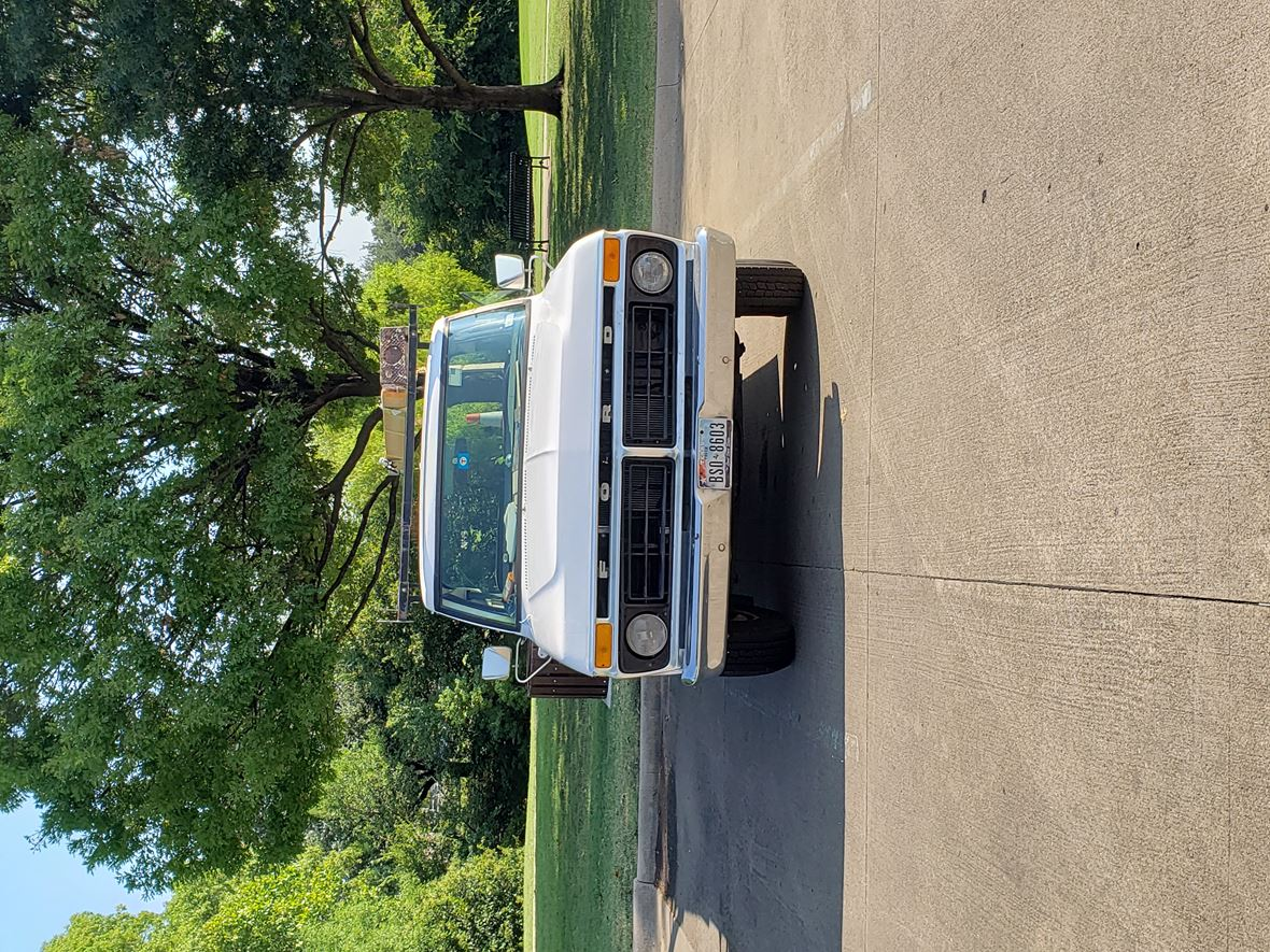 1977 Ford E-250 for sale by owner in Richardson
