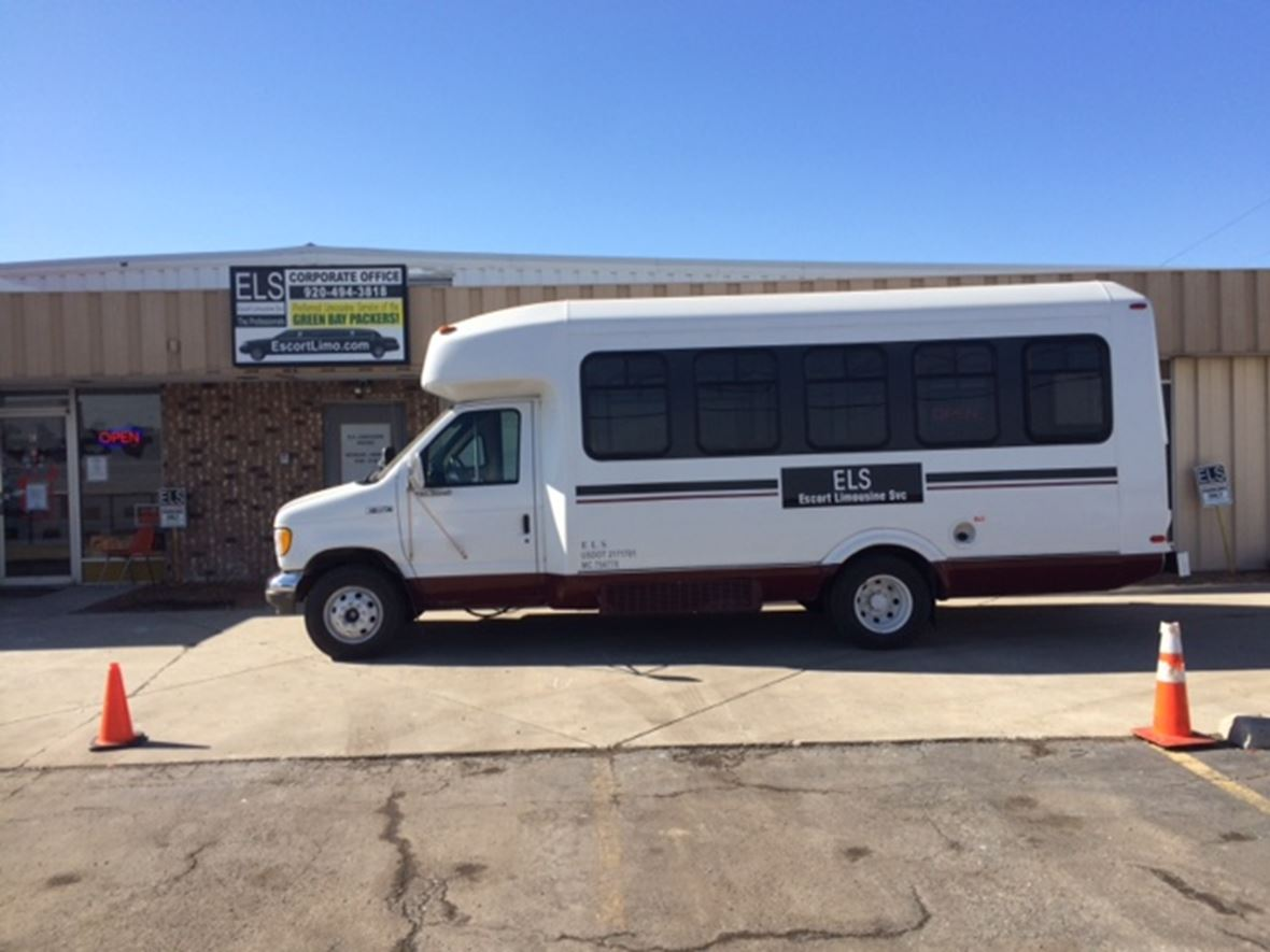 1995 Ford E-350 for sale by owner in Green Bay