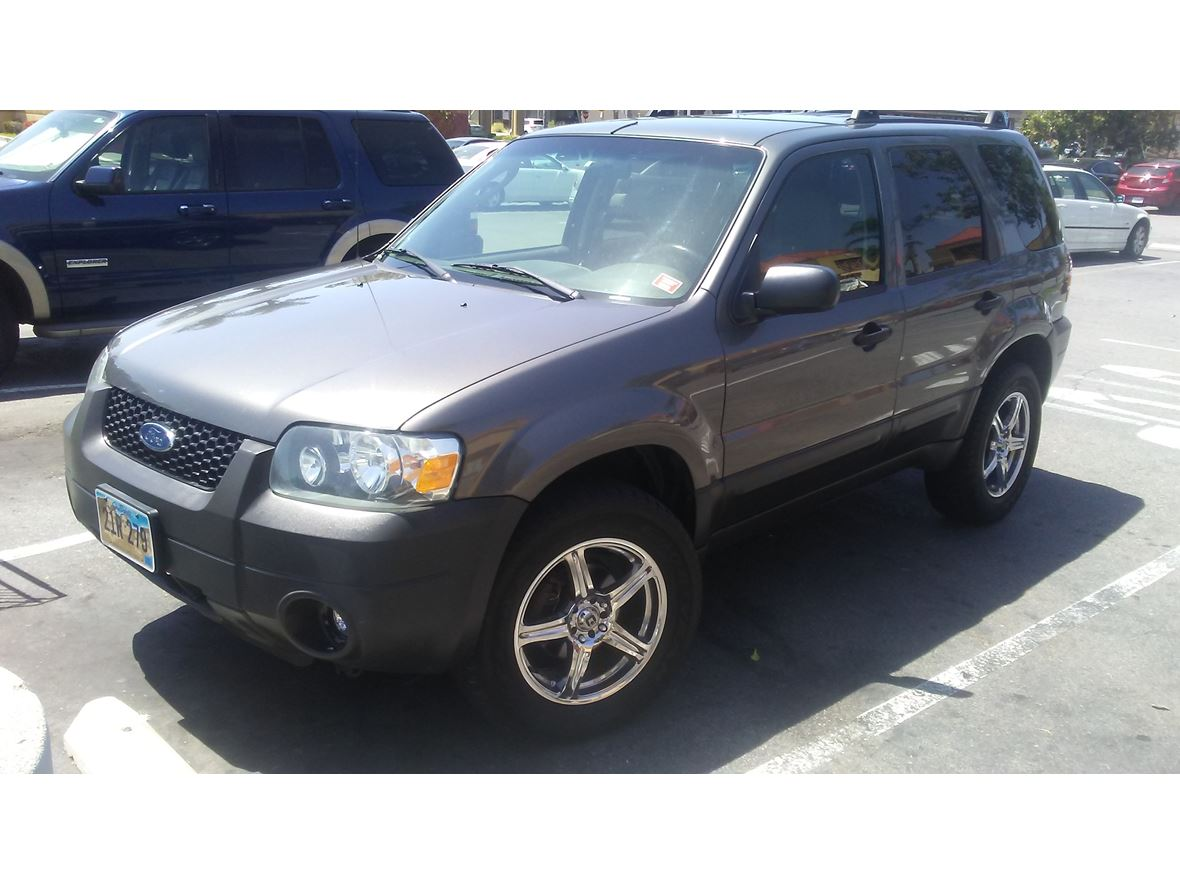 2005 Ford Escape for sale by owner in Riverside
