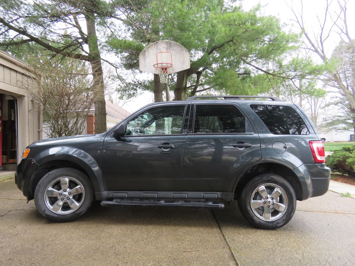 2009 Ford Escape for sale by owner in Walton