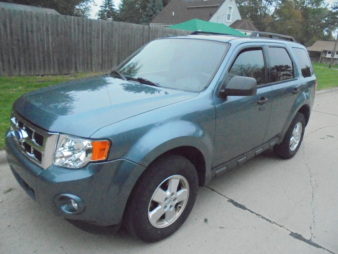 2010 Ford escape for sale by owner in Westland