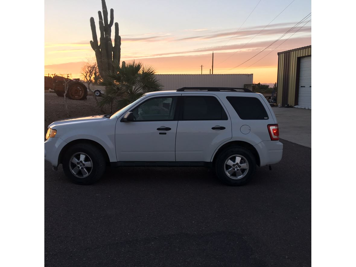 2011 Ford Escape for sale by owner in Phoenix
