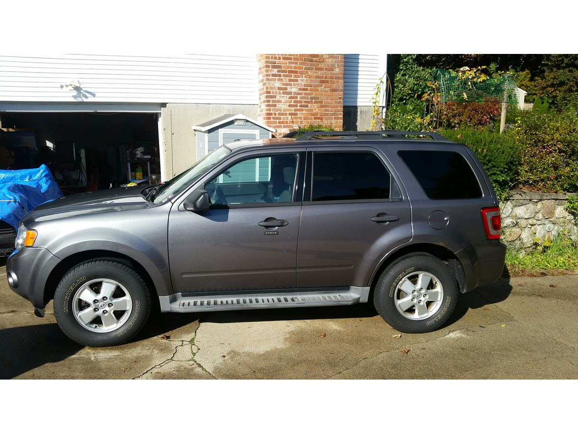2011 Ford Escape for sale by owner in West Warwick