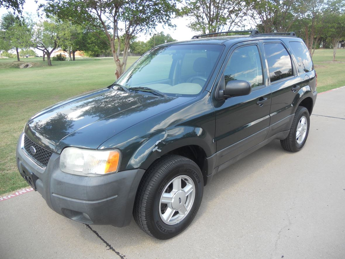 2005 Ford ESCAPE XLT  for sale by owner in Haltom City