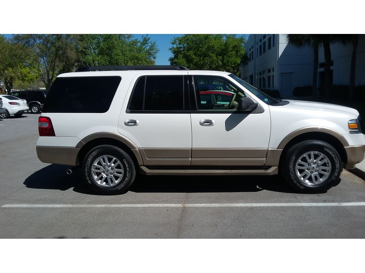 2013 Ford Expedition for sale by owner in Largo