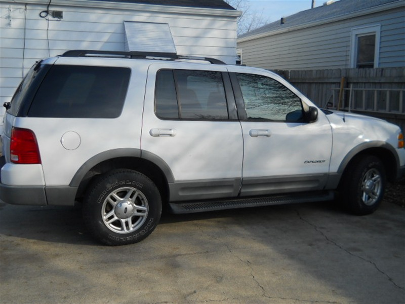 2002 ford explorer for sale by owner in indianapolis in 46219. Black Bedroom Furniture Sets. Home Design Ideas