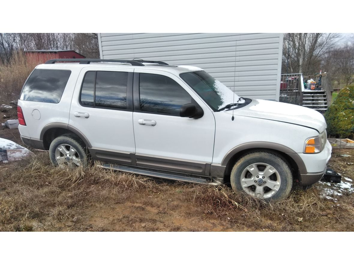 2003 Ford Explorer for sale by owner in Taylorsville