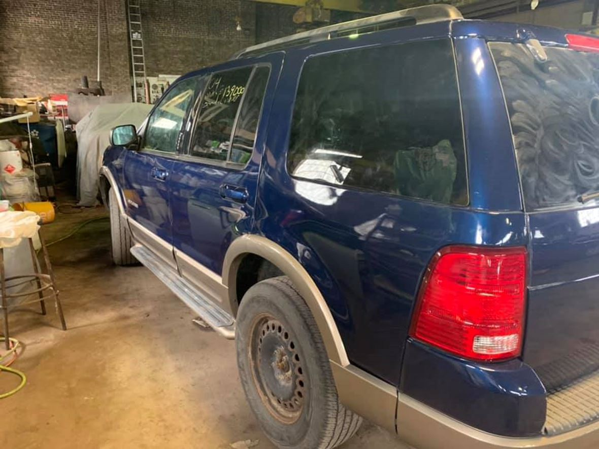 2004 Ford Explorer for sale by owner in East Chicago