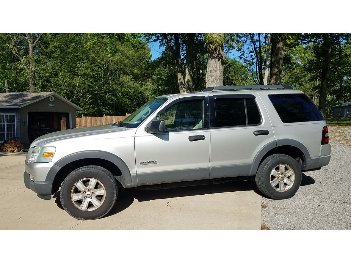 2006 Ford Explorer for sale by owner in North Benton