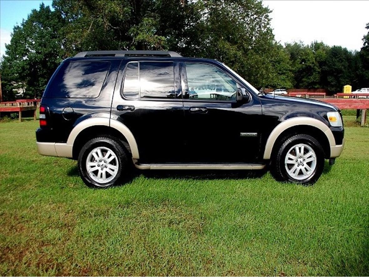 2008 Ford Explorer for sale by owner in Bridgeport
