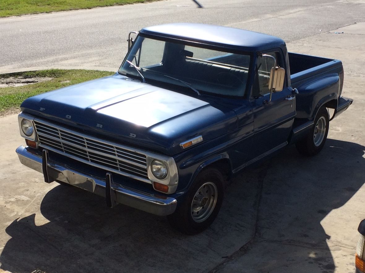 1969 Ford F100 - Antique Car