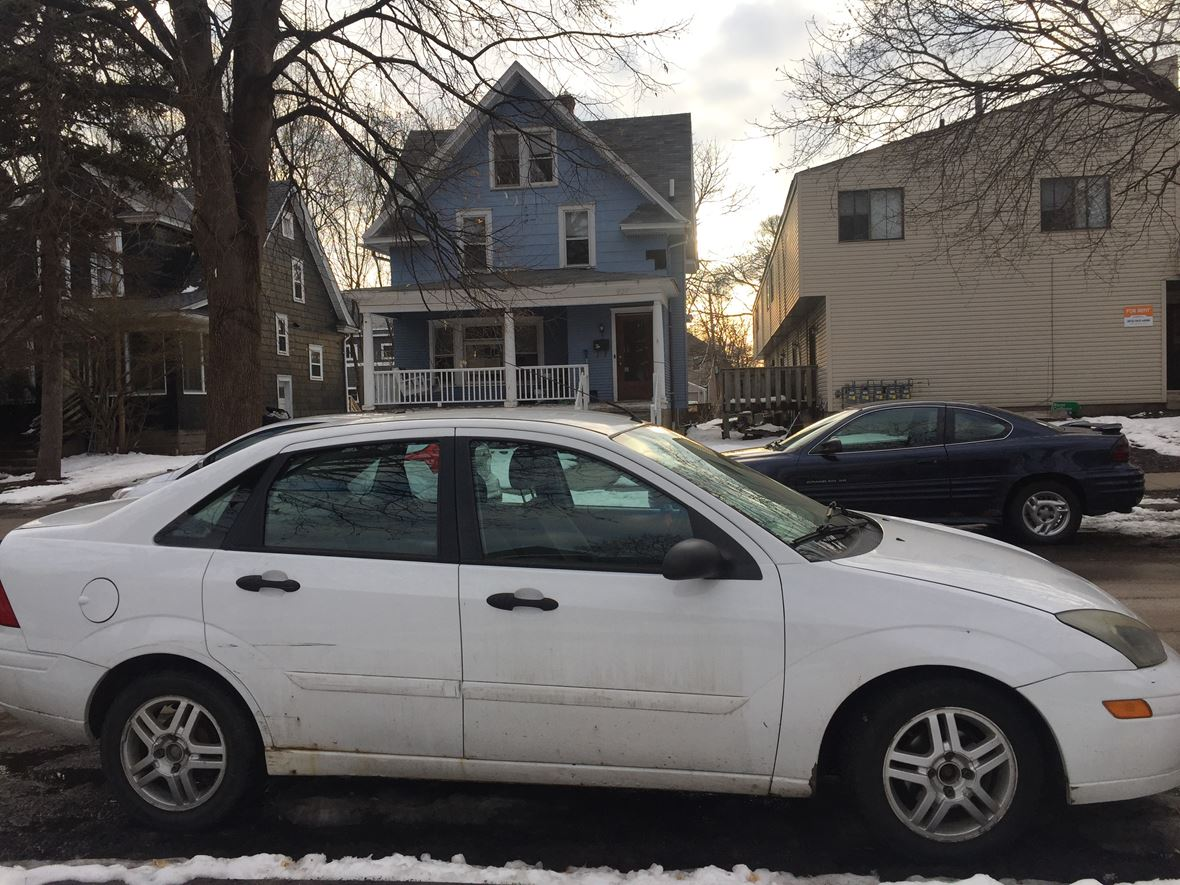 2003 Ford Focus for sale by owner in Minneapolis