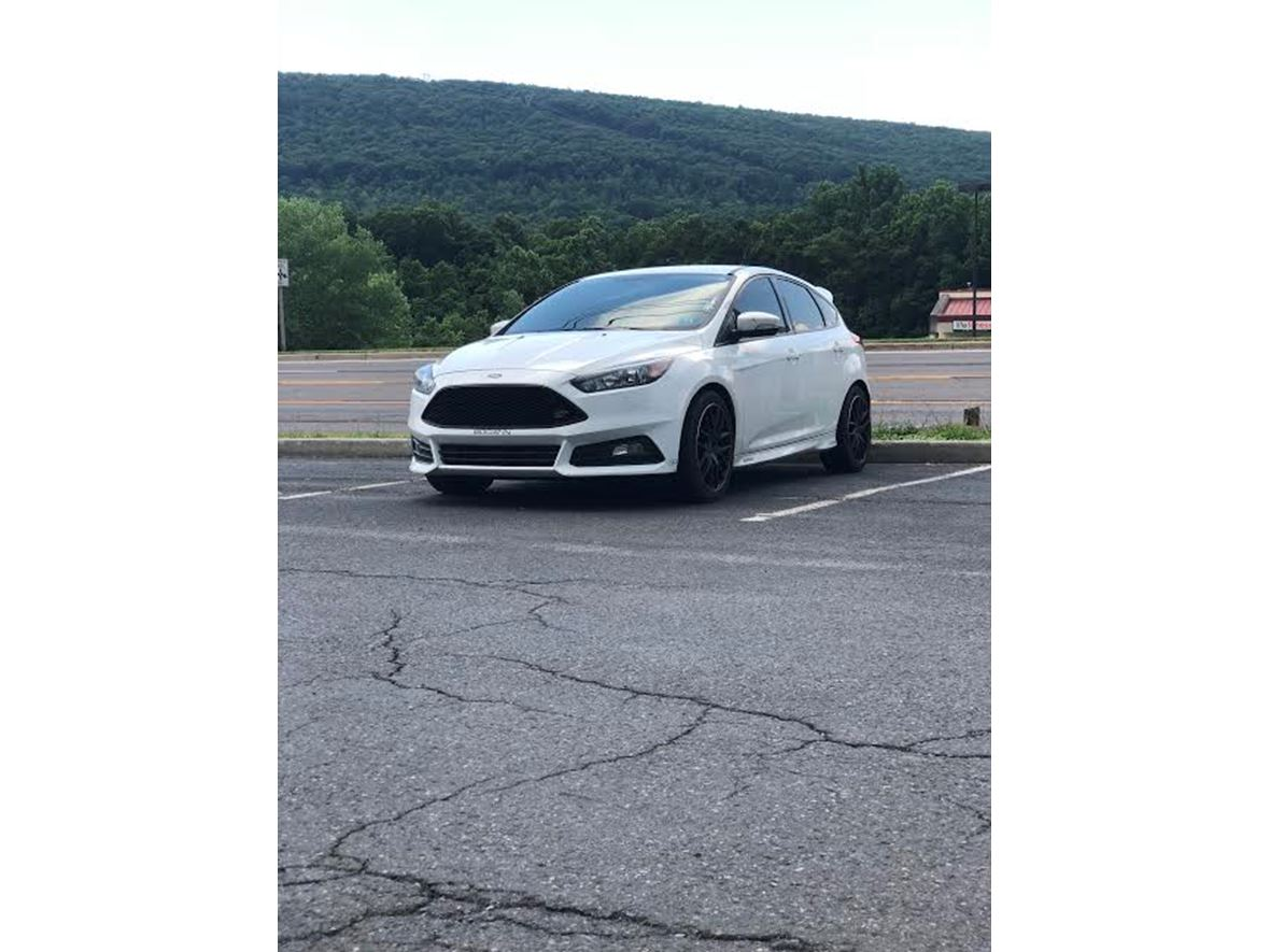 2016 Ford Focus ST for sale by owner in Cumberland