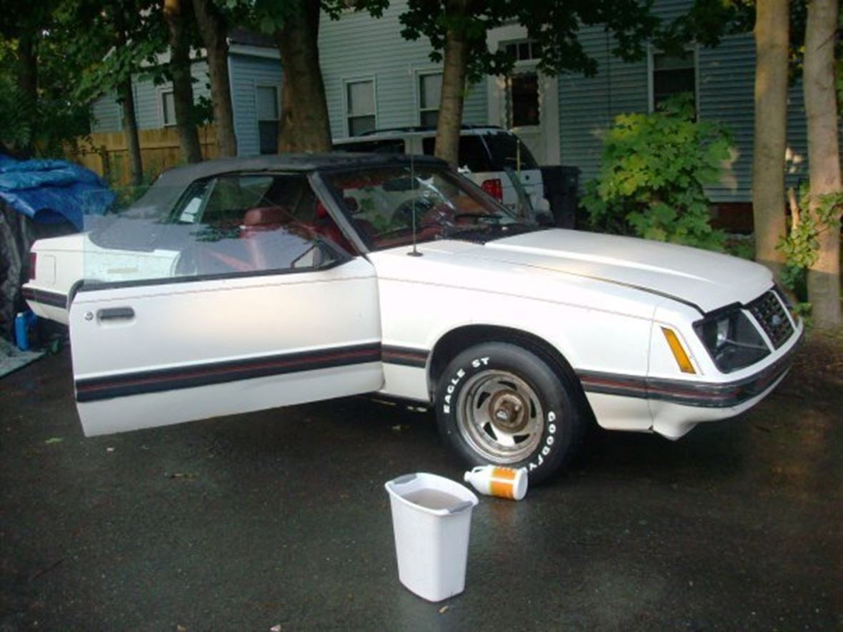 1983 Ford Mustang for sale by owner in Westfield