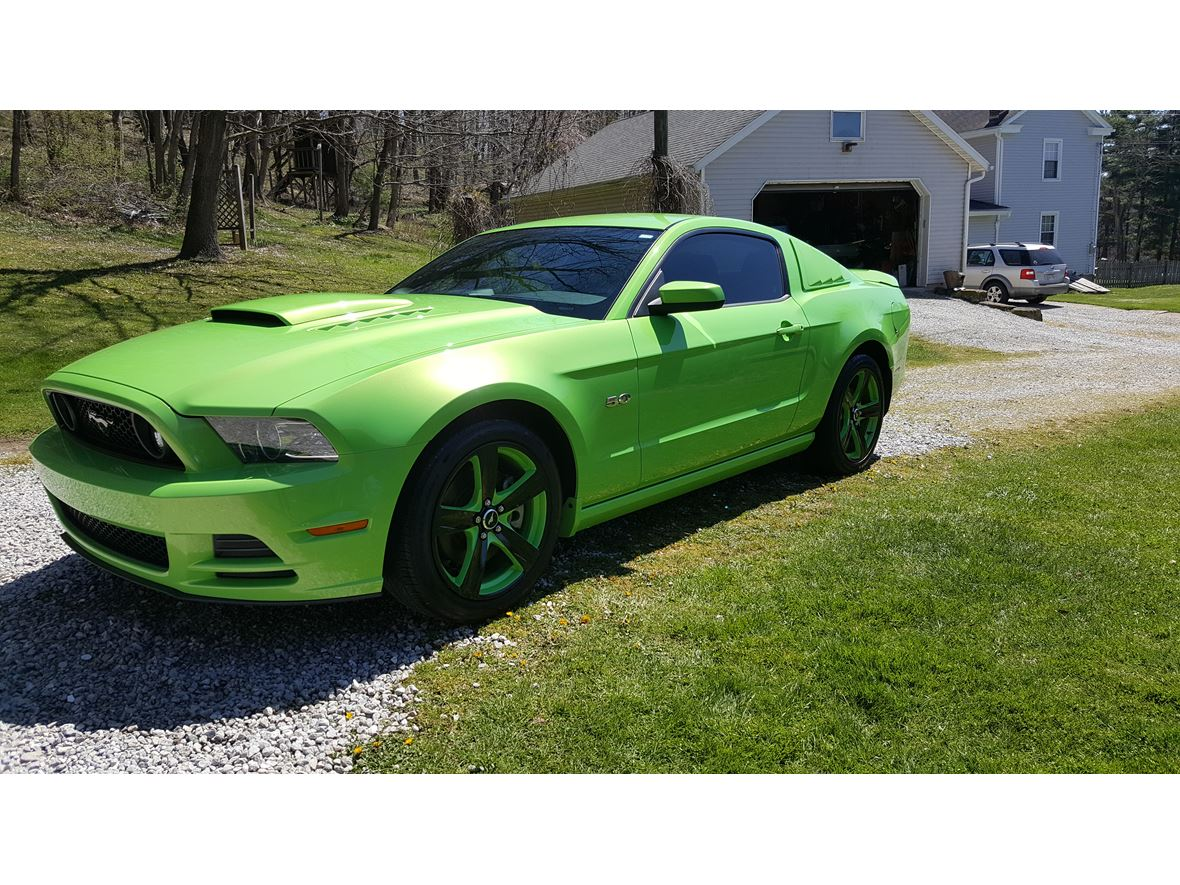 2013 Ford Mustang for sale by owner in Massillon