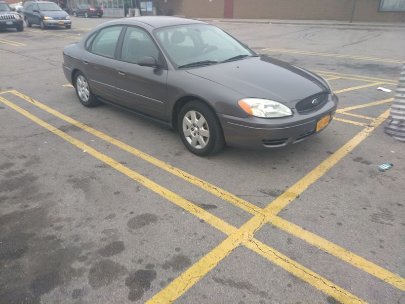 2004 ford taurus private car sale in buffalo ny 14276. Black Bedroom Furniture Sets. Home Design Ideas