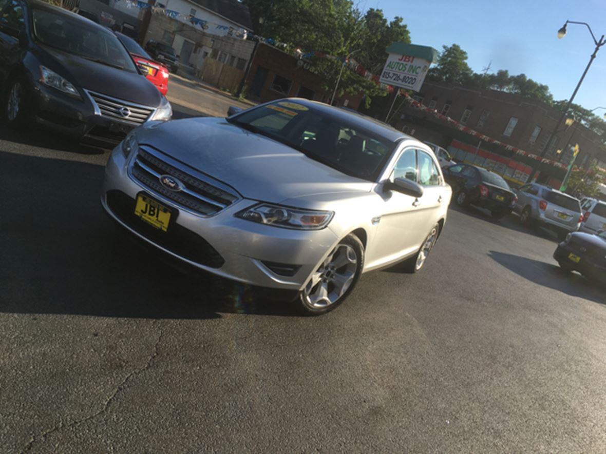 2013 Ford Taurus for sale by owner in Joliet