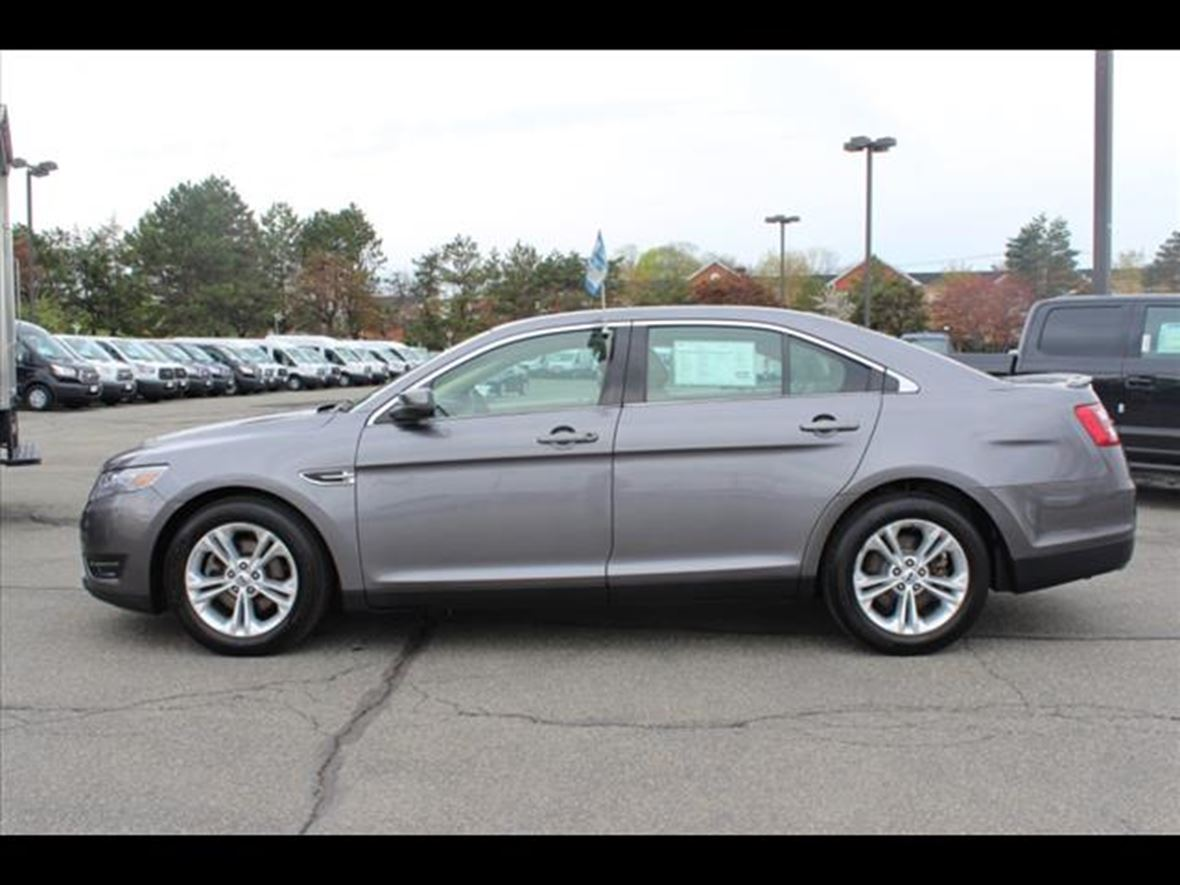 2014 ford taurus private car sale in needham heights ma 02494