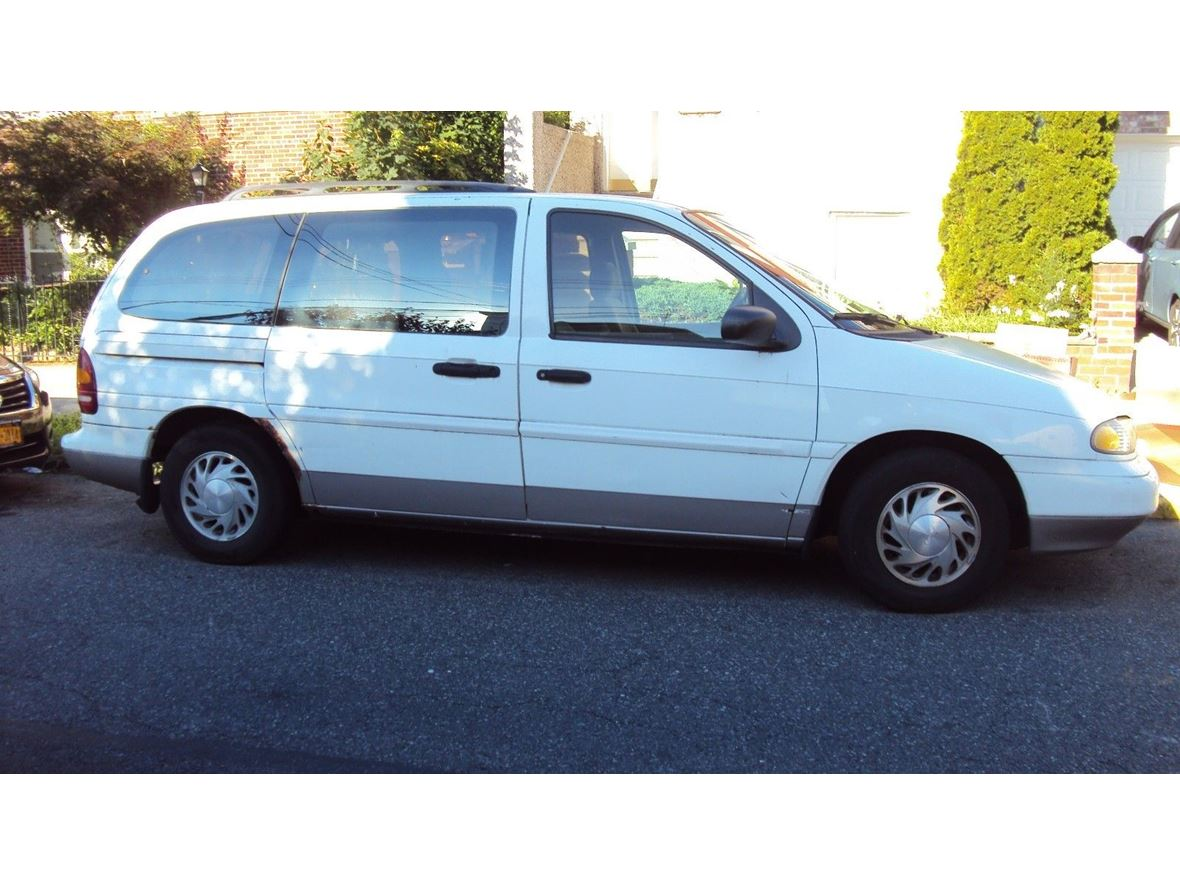 1995 Ford Windstar for sale by owner in Maspeth