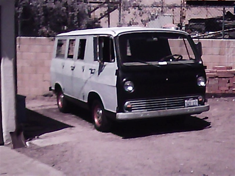 2d2a6354bd 1965 GMC g1000series handyvan for sale by owner in TUJUNGA