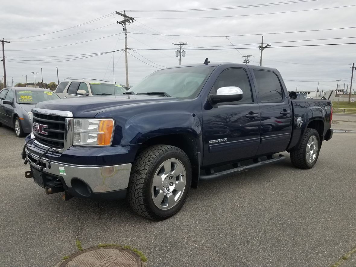 2011 GMC Sierra 1500 for sale by owner in Seekonk