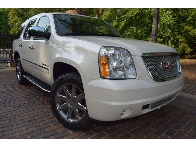 2012 GMC Yukon for sale by owner in Mount Clemens