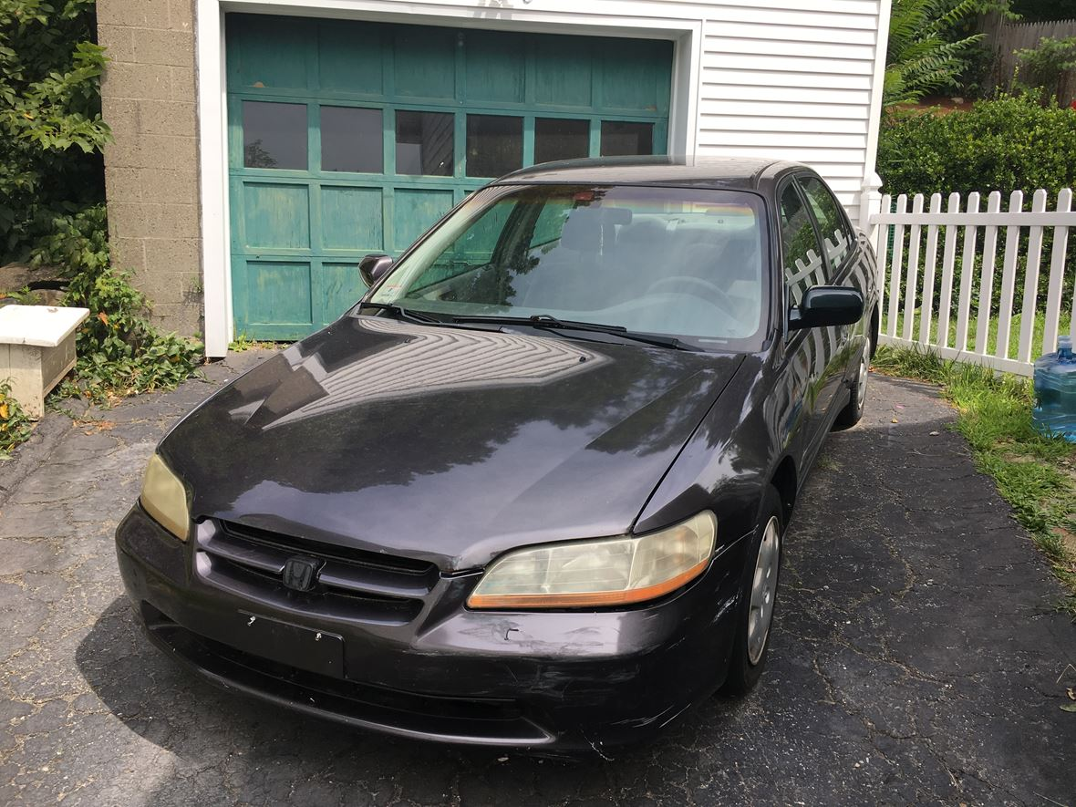 1999 Honda Accord for sale by owner in Worcester