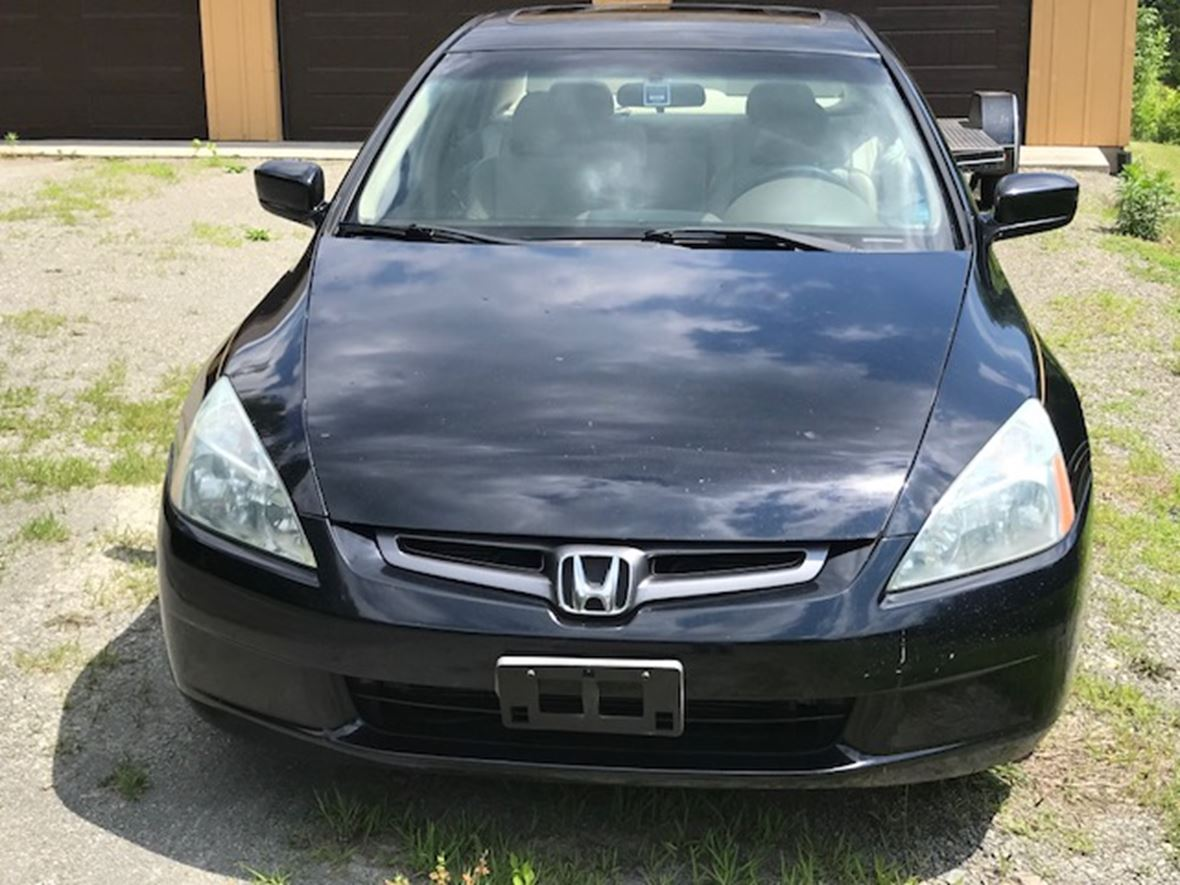2004 Honda Accord for sale by owner in Seymour