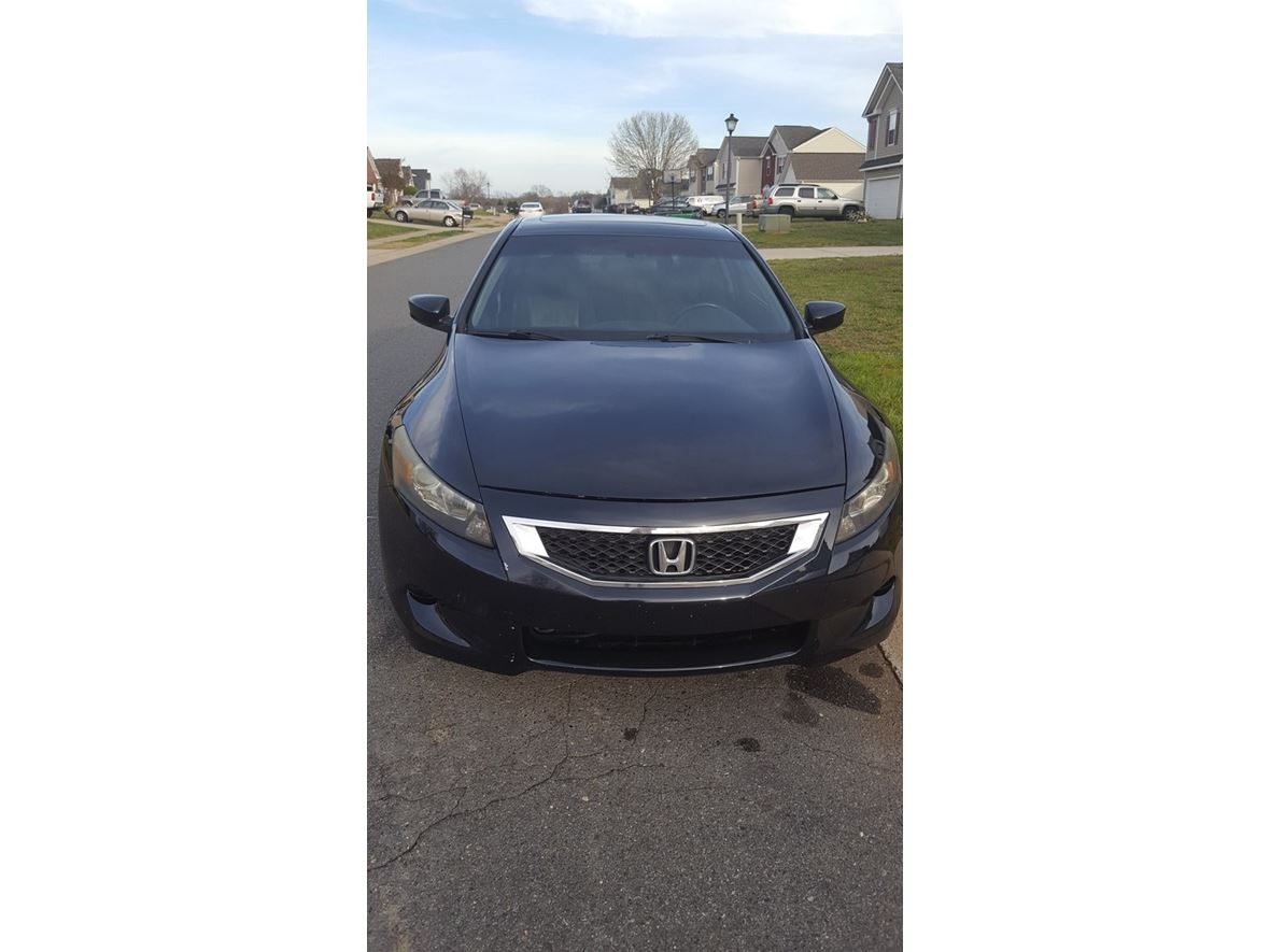 2008 Honda Accord Coupe for sale by owner in Charlotte