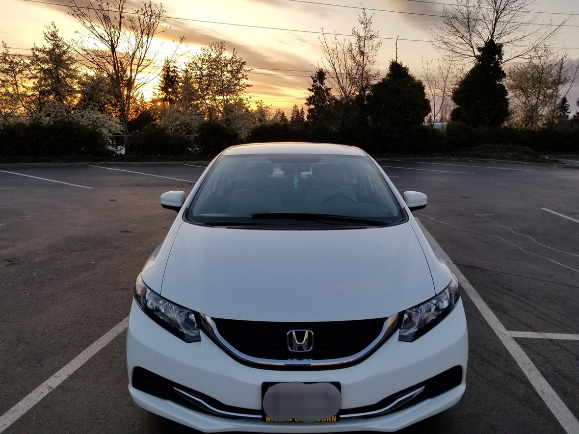 2015 Honda Civic LX 4d for sale by owner in Kent