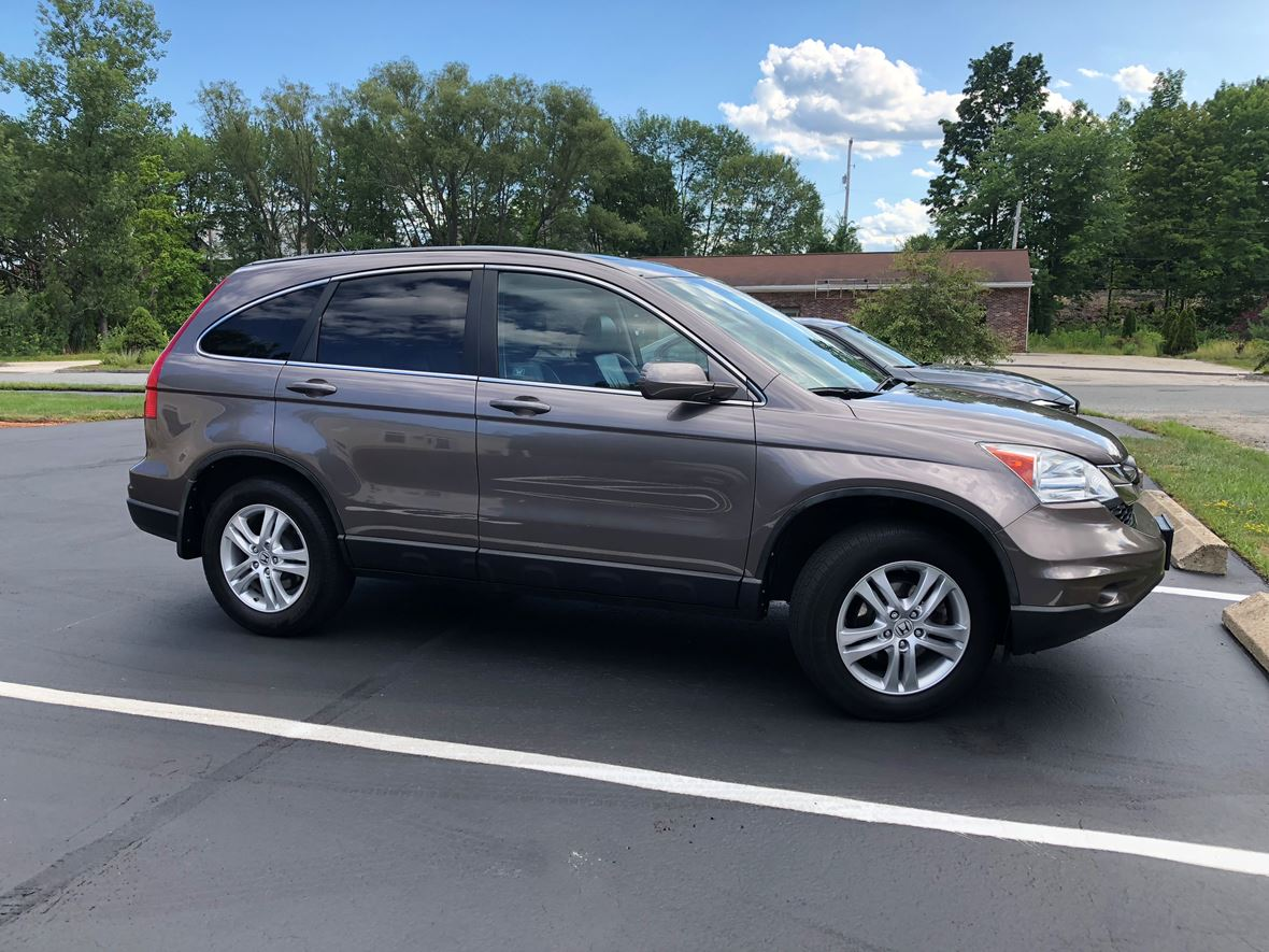 2011 Honda Cr-V for sale by owner in Waltham