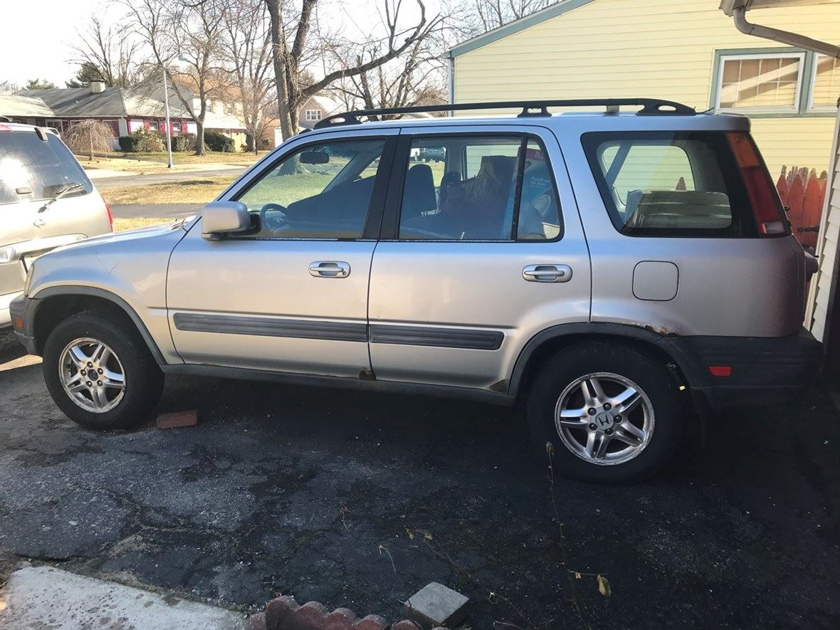1999 Honda CRV for sale by owner in Willingboro
