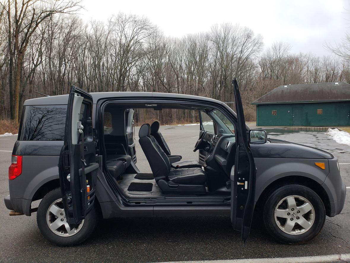 2004 Honda Element for sale by owner in Madison