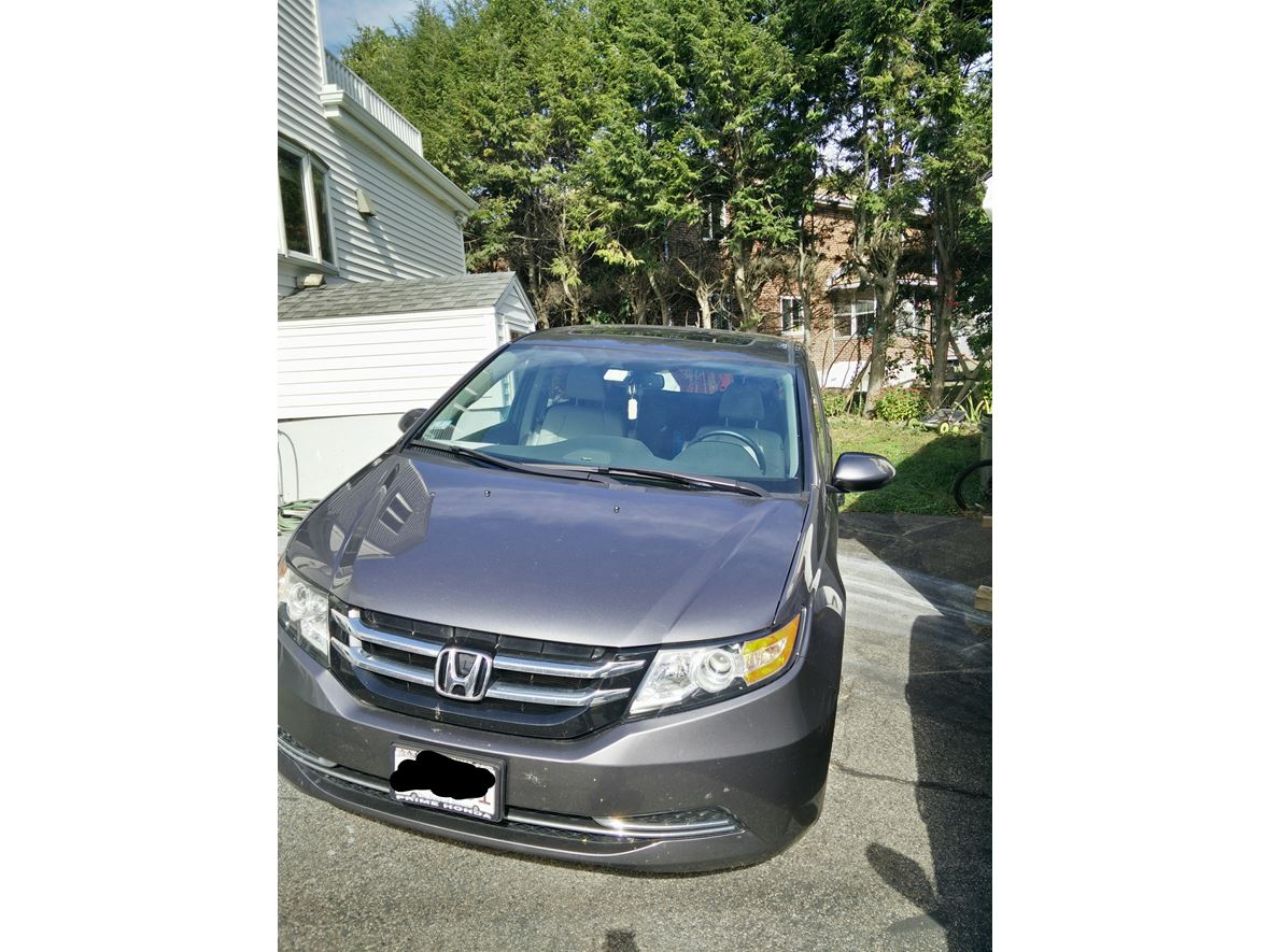2015 Honda Odyssey for sale by owner in West Newton