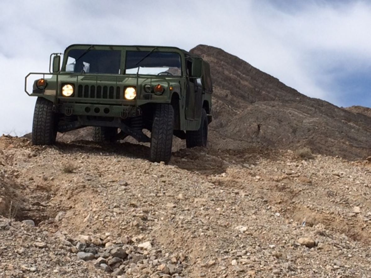 1989 Hummer H1 - Street Legal Military HUMVEE M998 for sale by owner in Las Vegas