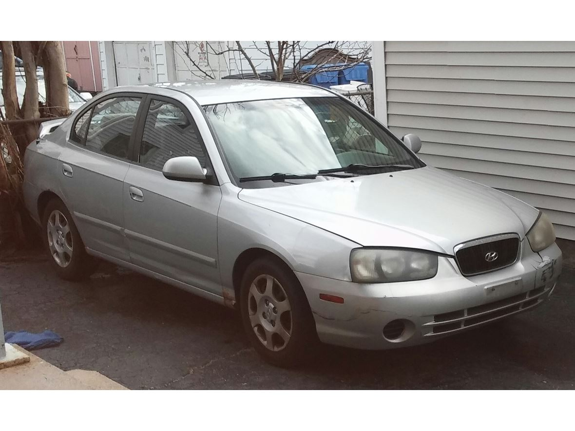 2003 Hyundai Elantra for sale by owner in New Britain