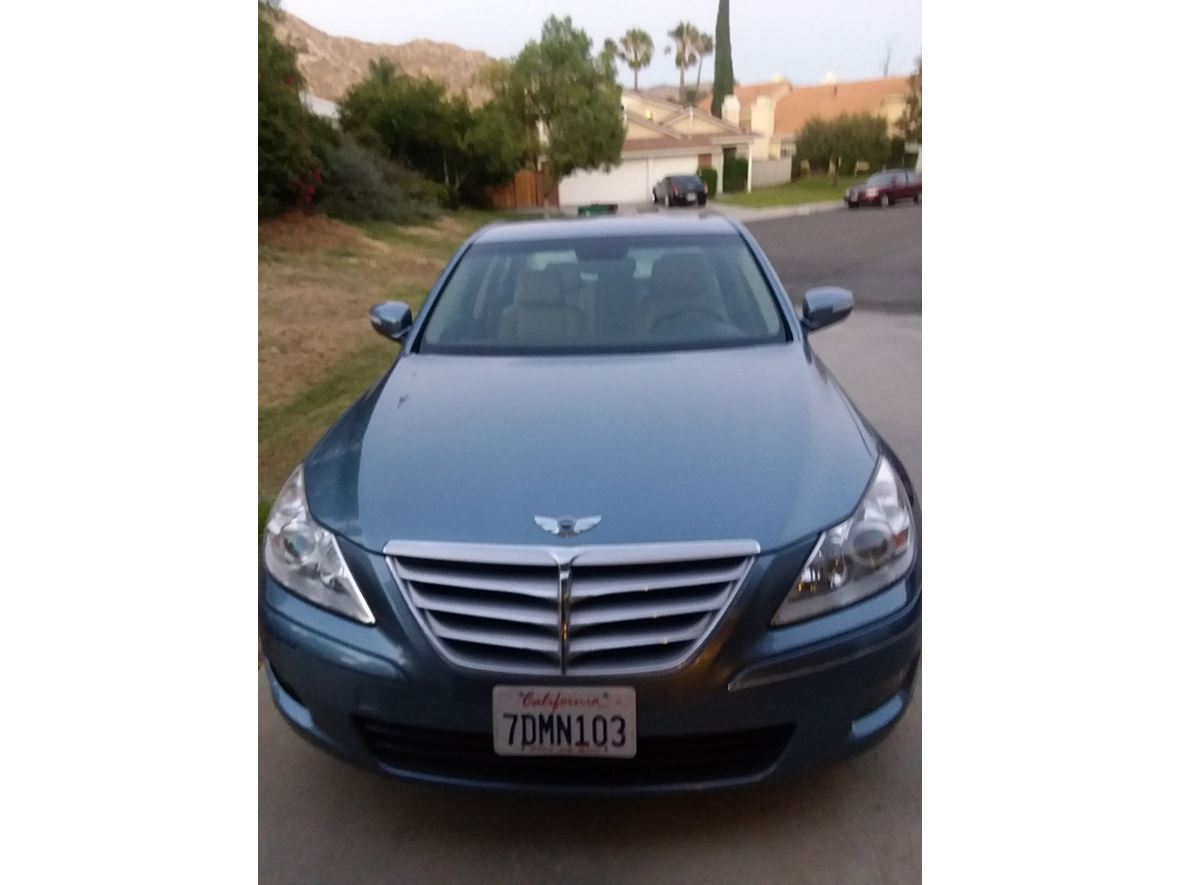 2009 Hyundai Genesis for sale by owner in Moreno Valley