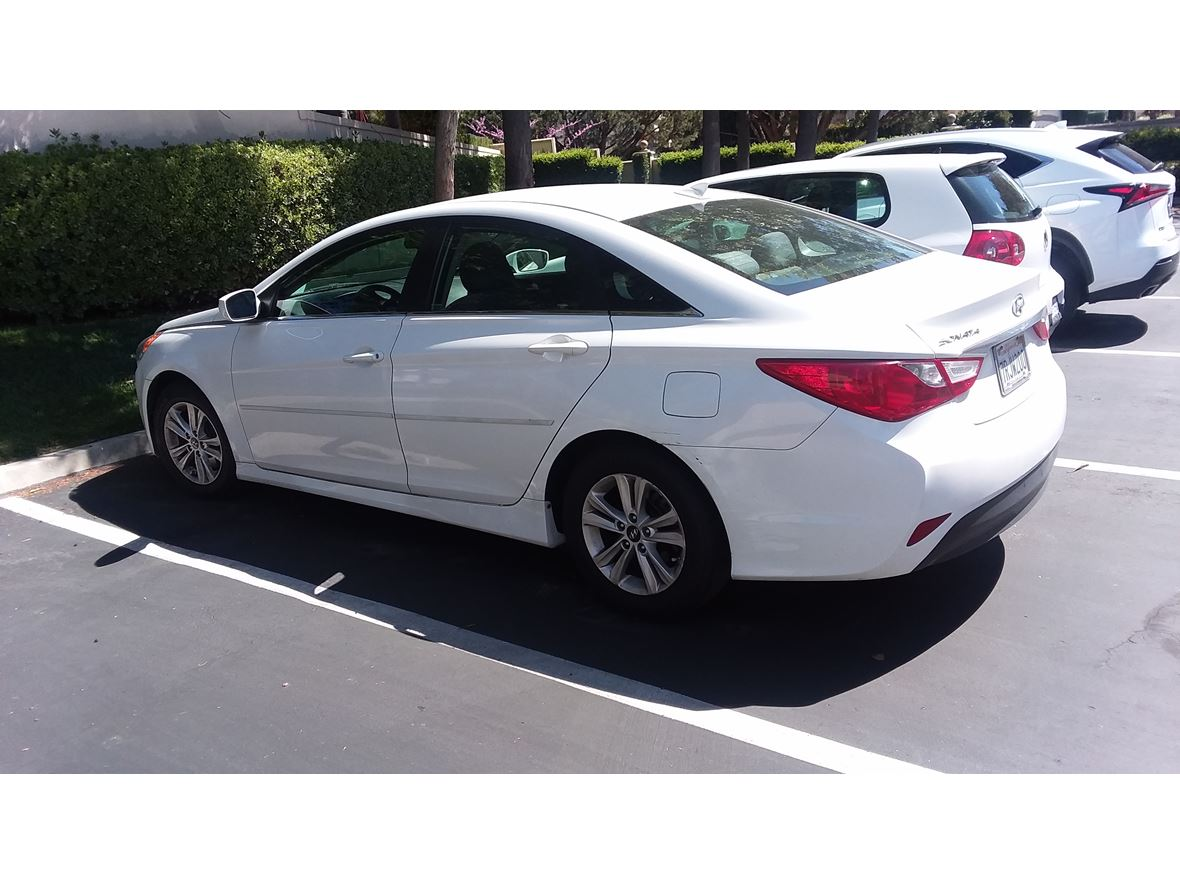 2014 Hyundai Sonata  for sale by owner in San Diego