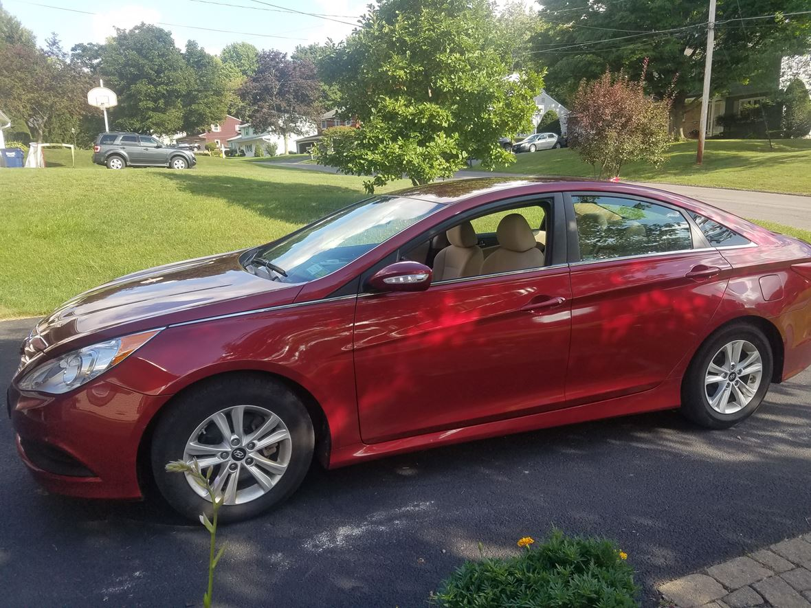 2014 Hyundai Sonata for sale by owner in Camillus