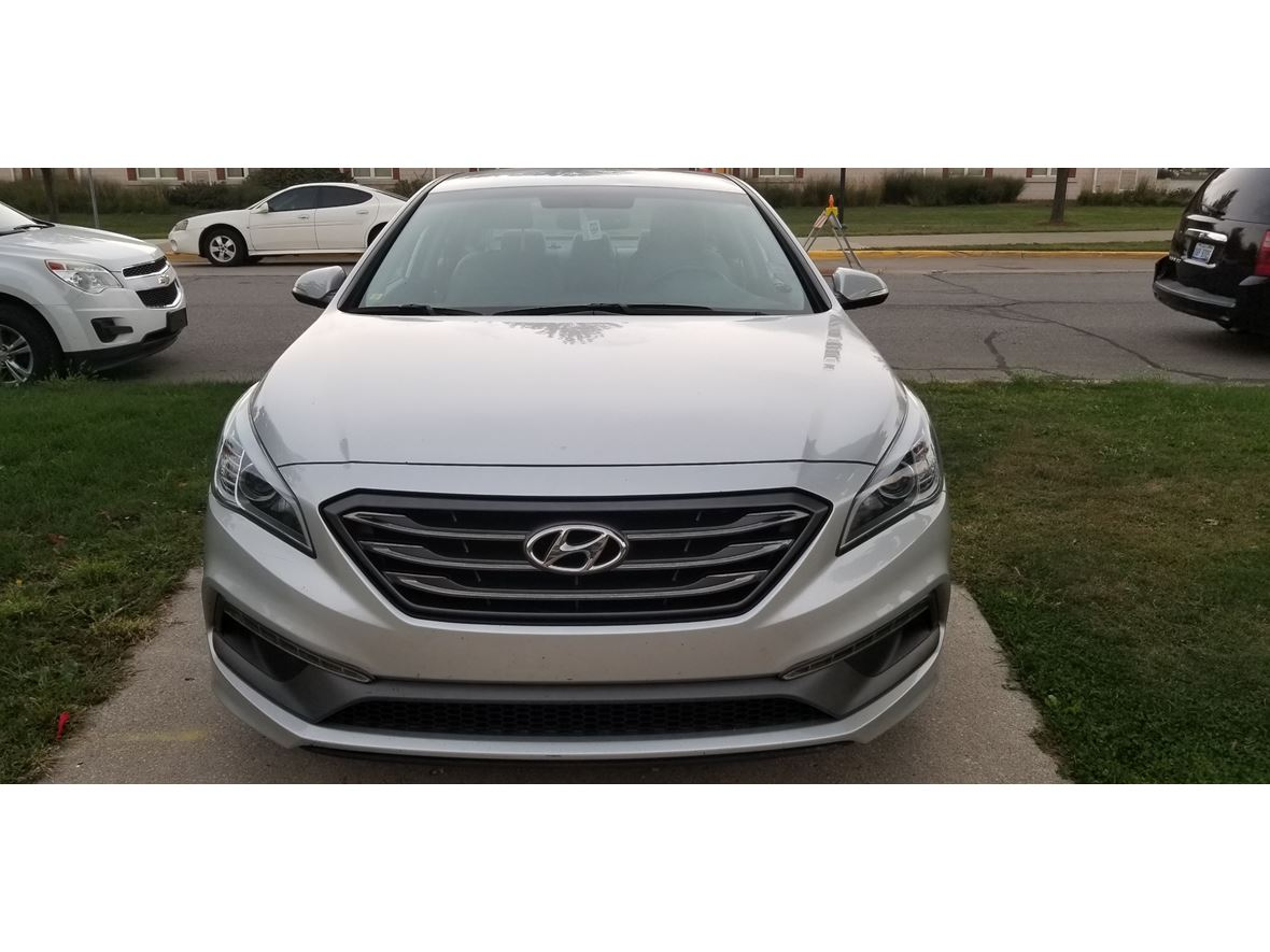 2015 Hyundai Sonata for sale by owner in Dearborn