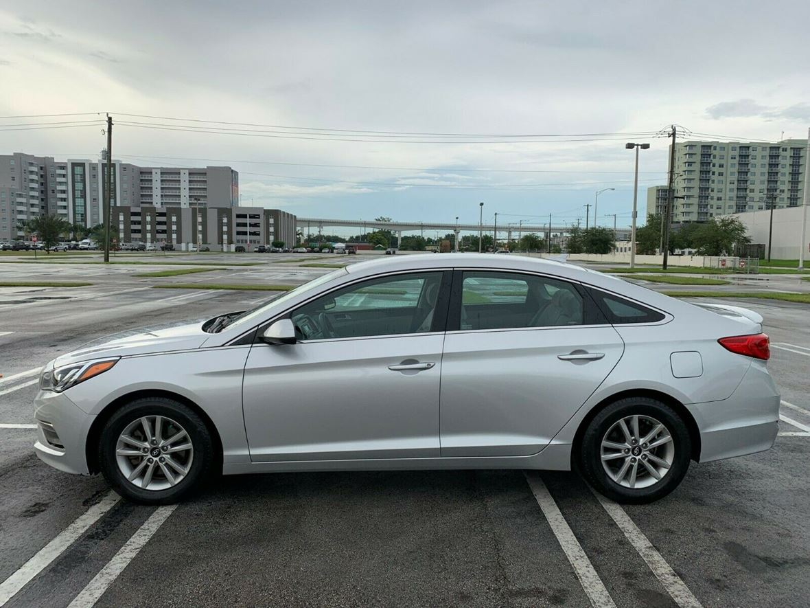 2015 Hyundai Sonata for sale by owner in Chicago