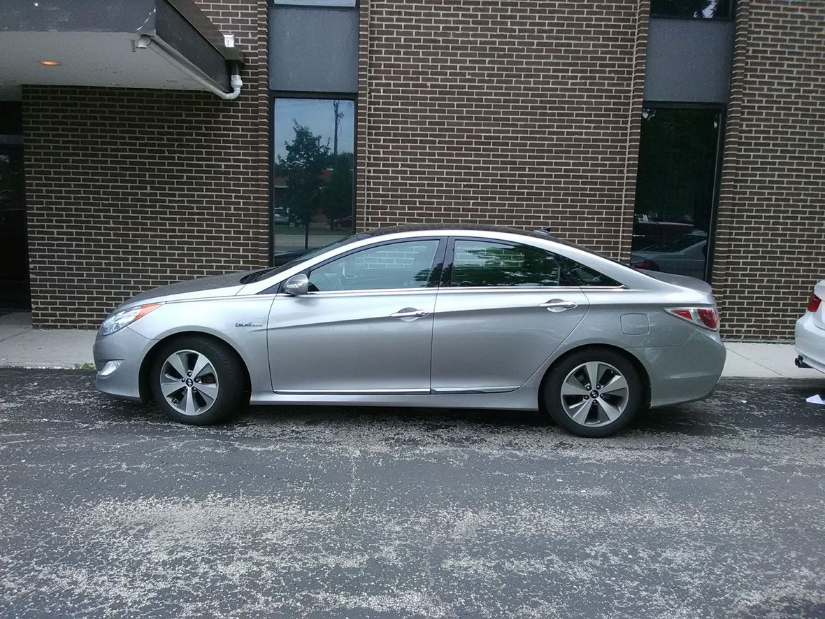 2012 Hyundai Sonata Hybrid For Sale By Owner In Des Plaines Il 60018 12 500