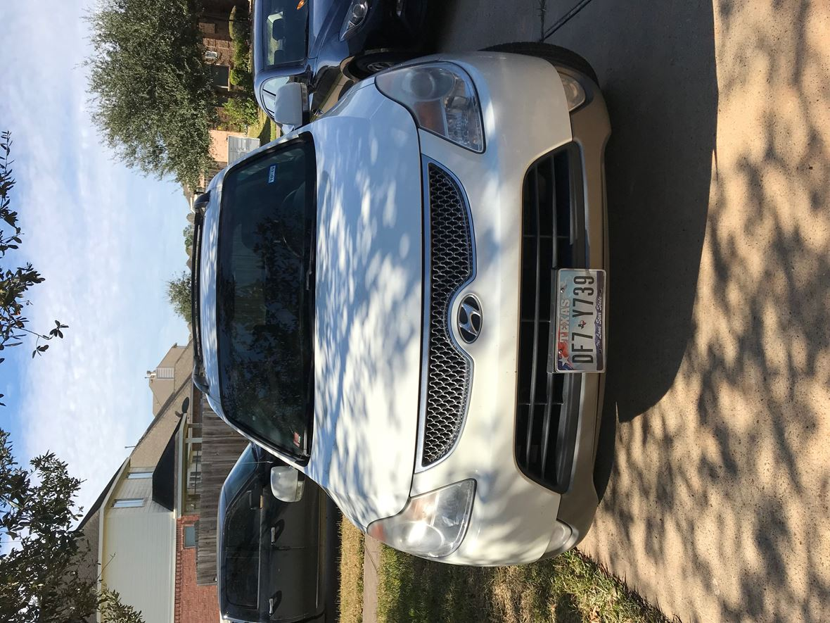 2011 Hyundai Veracruz for sale by owner in Pearland